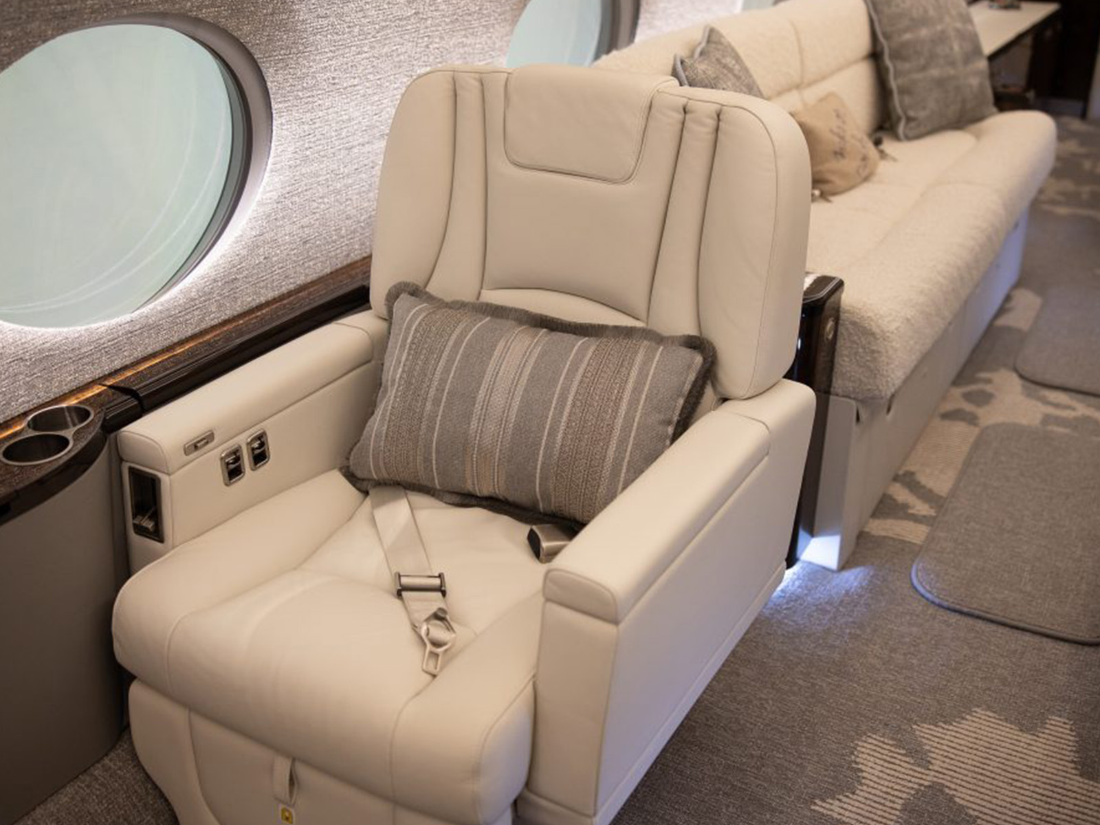 private aircraft chair