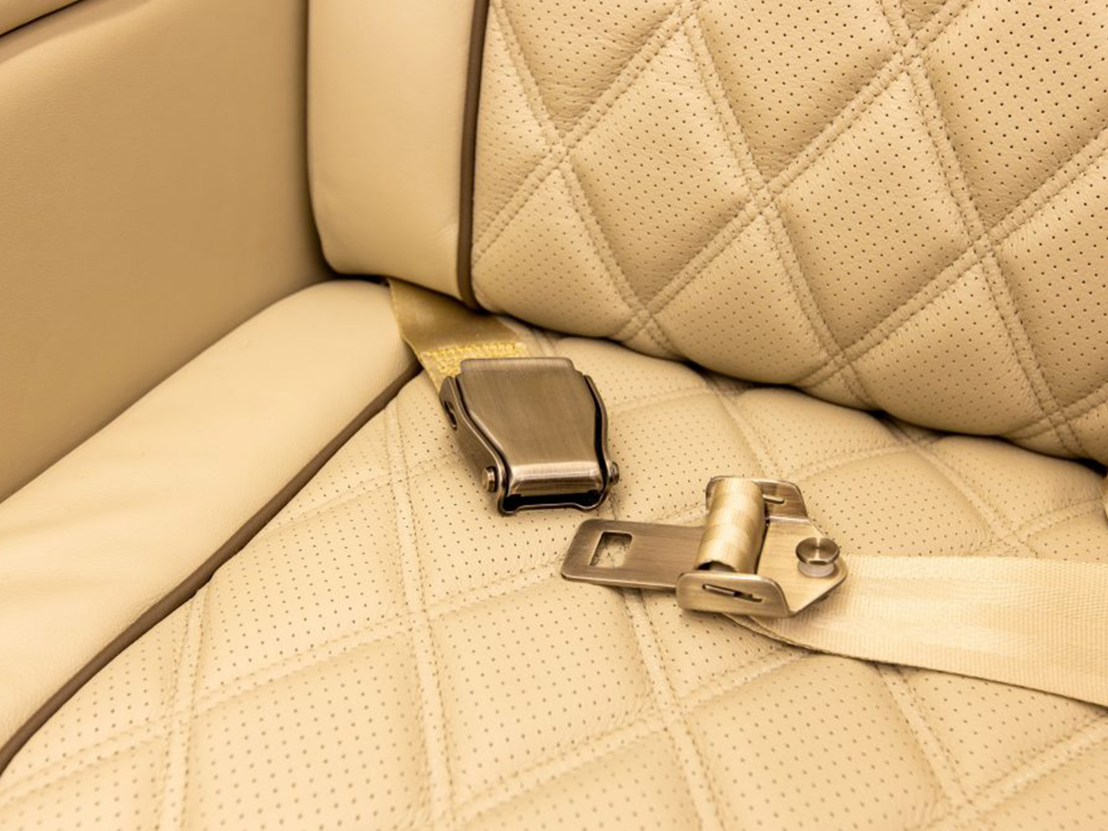 aircraft seats with diamond pleat leather