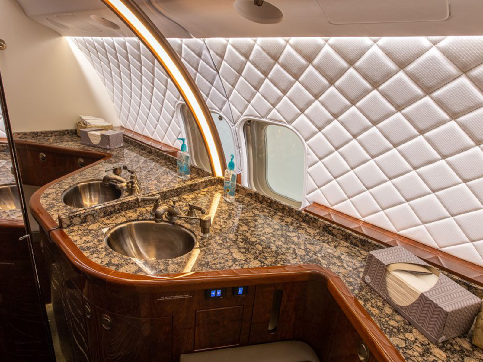 aircraft cabin with led lighting
